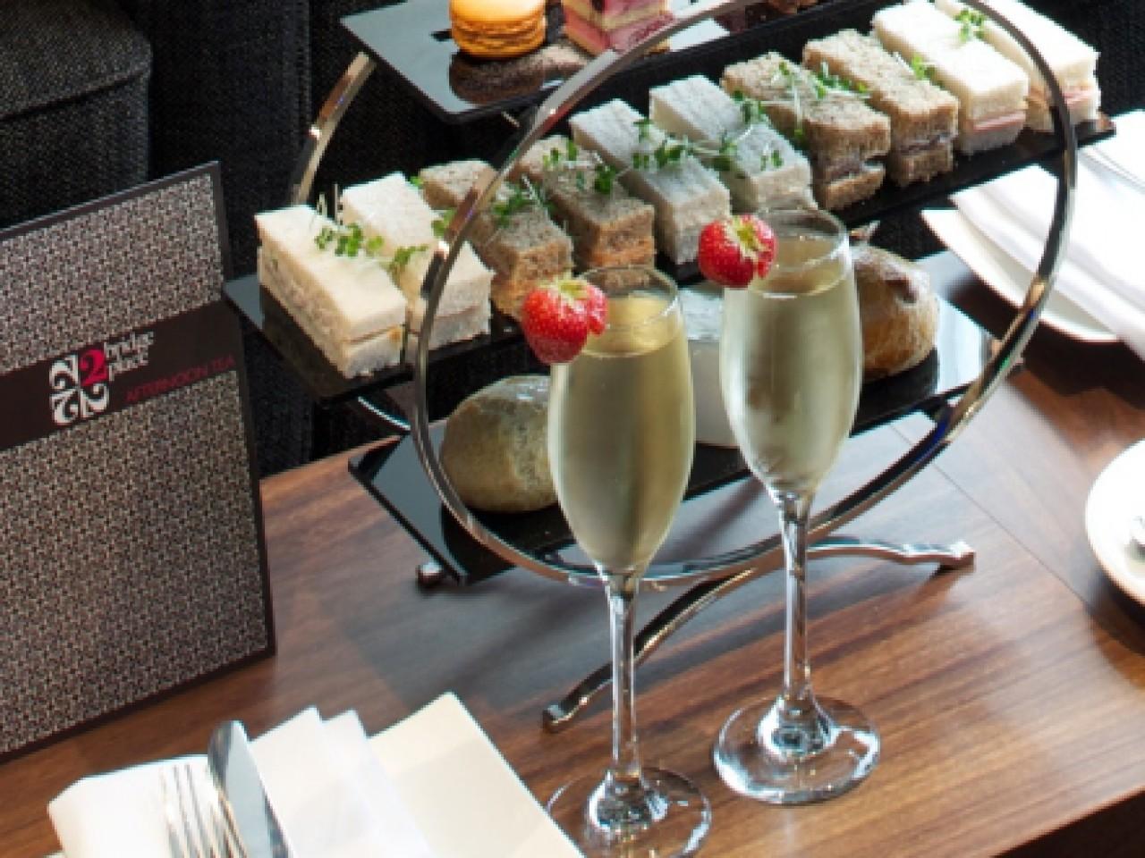 London Hotel & Afternoon Tea